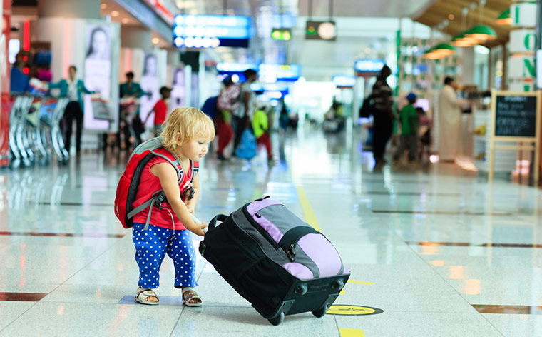 Yürümeye Başlayan Çocukla Seyahat Ederken Sakin Kalmak İçin 7 İpucu